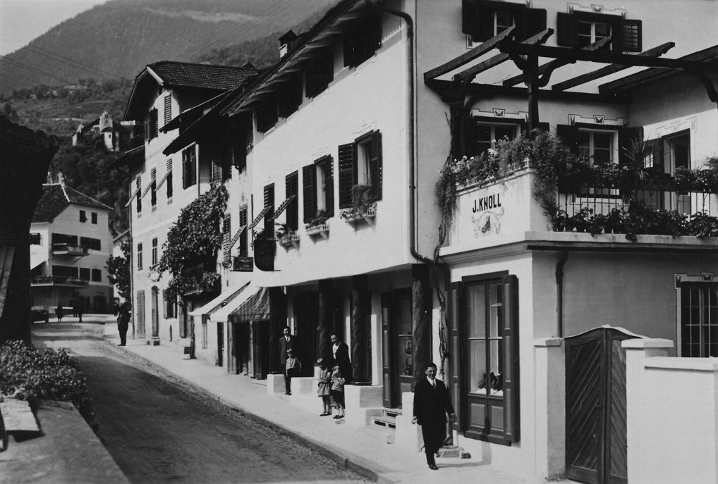 SCHUHAUS KNOLL SEIT 1867 01